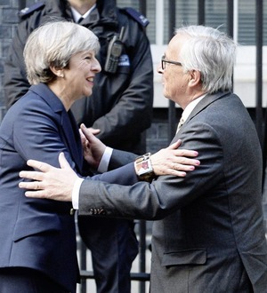 Theresa May to meet European Commission president Jean-Claude Juncker next month
