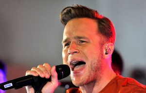Olly Murs and Piers Morgan clash over Oxford Circus incident