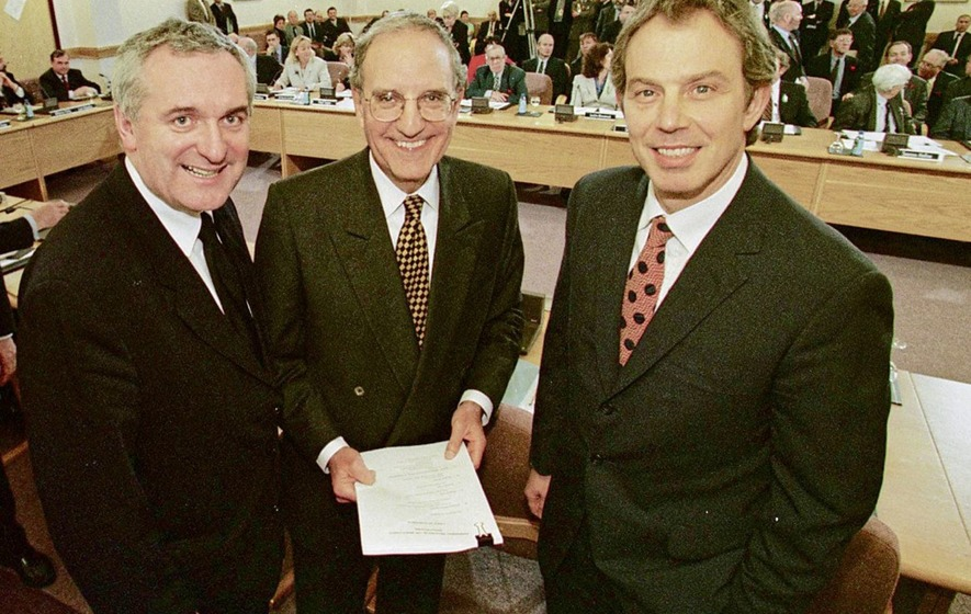 Brexit poses risk to good friday agreement academics warn the british prime minister tony blair us senator george mitchell and taoiseach bertie ahern after the signing of the good friday agreement in 1998 platinumwayz