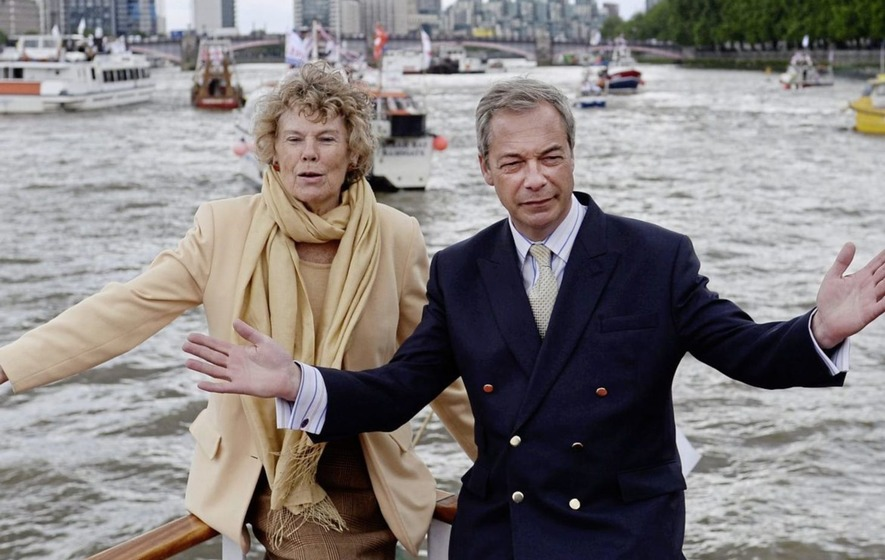 Kate Hoey with Nigel Farage in London during the EU referendum campaign