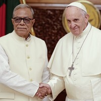Pope Francis calls for decisive measures over Rohingya Muslims from Myanmar
