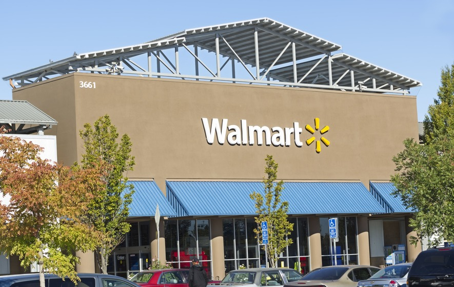 Walmart pulls shirt threatening journalists