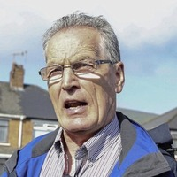 Video: Gerry Kelly filmed removing a clamp from his car