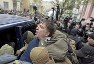 Protesters block Ukrainian police trying to arrest former Georgian president