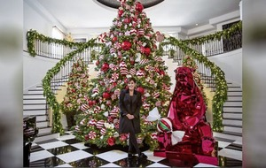 Sleb Safari: Will your Christmas Eve party be anything like the Kardashians'?