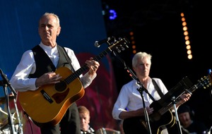 Status Quo cancel gig after Francis Rossi left 'incapacitated' by illness