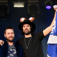Kasabian and Courteeners to play Teenage Cancer Trust show