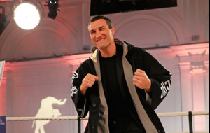Video Knockouts: Wladimir Klitschko auctions robe containing Anthony Joshua fight prediction