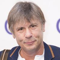 Iron Maiden's Bruce Dickinson among Christmas University Challenge contestants