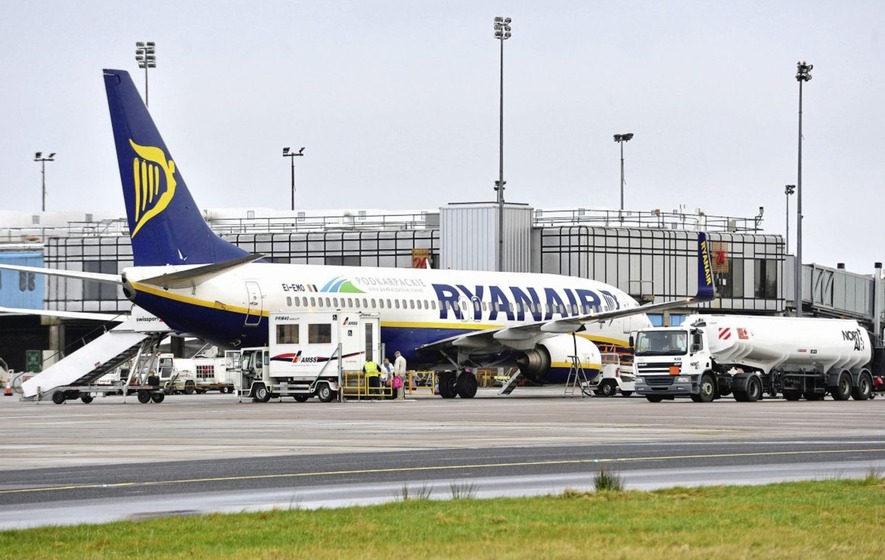 Ryanair is due to meet a pilots&#39 union for the first time in its 32-year history