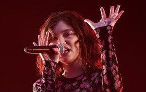 Lorde reported to have called off show in Israel after fan pressure