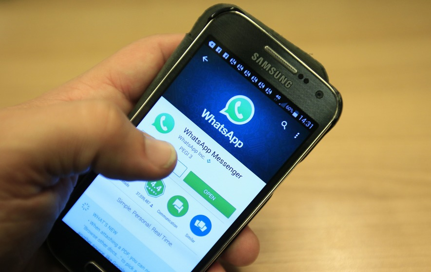 WhatsApp Announced the End of Support for BlackBerry OS and Windows Phones