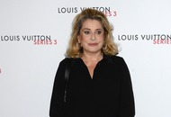 Film star Catherine Deneuve apologises to sexual abuse victims
