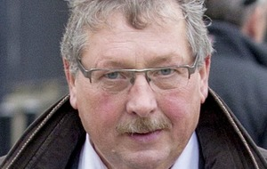 Sammy Wilson in climbdown after branding taoiseach a 'nutcase'