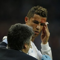 Ronaldo used his medic's phone to check how his injury looked and Twitter couldn't handle it