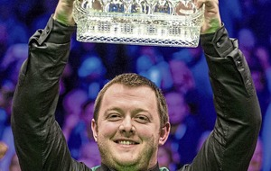 Allen overcomes opening session shakes to win Masters crown