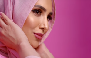 L'Oreal hijab model Amena Khan pulls out of ad campaign