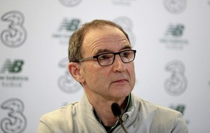 Martin O'Neill signs contract extension keeping him with national side until 2020