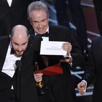 Jimmy Kimmel and Warren Beatty joke about best picture blunder in Oscars promo