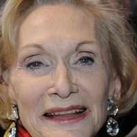 Dame Sian Phillips wins lifetime achievement award