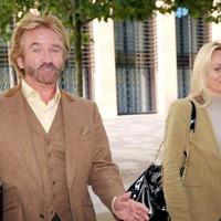 Noel Edmonds set for court battle with Lloyds after securing funds