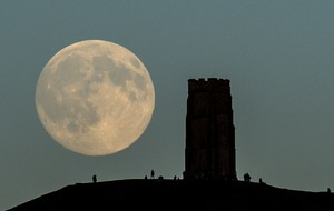 Rain and cloudy skies should not stop skygazers from seeing the blue moon