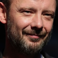 I wish women ran the world, says John Simm