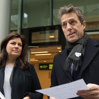 Hugh Grant wins phone-hacking damages from Mirror newspapers