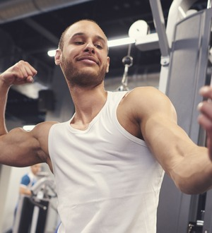 Here's how your gym selfies and exercise bragging posts on social media are affecting your friends