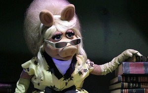 "Miss Piggy backs Times's Up campaign for gender equality: ""It's about time"""
