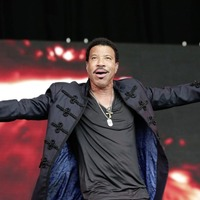 Sleb Safari: Lionel Richie makes rookie error in calling daughter Sofia's relationship with Scott Disick 'a phase'