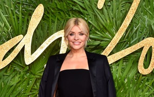 Holly Willoughby's 'wedding dress' confuses Dancing On Ice fans