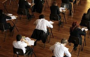 Disadvantaged students more likely to live at home while studying, says report