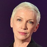 Annie Lennox will 'stay loyal' to Oxfam