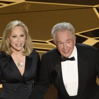 Warren Beatty and Faye Dunaway get a second take, but what went wrong last time?