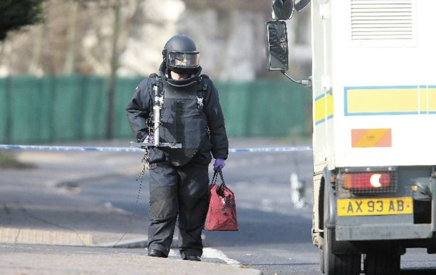 British Army bomb disposal officers are on their way to the scene