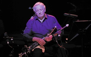 Tributes paid to renowed uilleann piper Liam O'Flynn following his death, aged 72