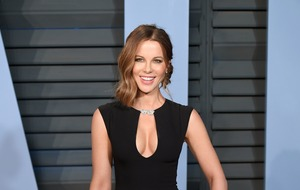 Kate Beckinsale thanks fans for keeping memory of her late dad alive