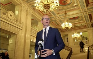 Simon Coveney says no Brexit treaty without 'backstop' deal on border