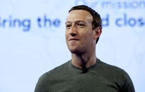Mark Zuckerberg apologises over Cambridge Analytica scandal