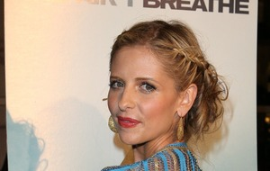 Sarah Michelle Gellar shares Cruel Intentions pic on Reese Witherspoon birthday