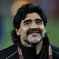 Watch Diego Maradona's awe-inspired reaction to Salt Bae preparing his food