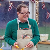 Teri Hatcher wins Bake Off, but Alan Carr's bungled Rainbow cake gets the laughs