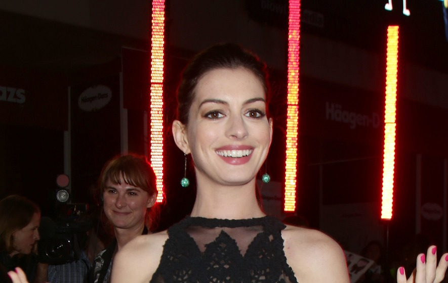 Anne Hathaway preemptively calls out body shamers: 'It's not me, it's you'
