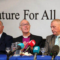 Loyalist paramilitary groups to 'fully support the rule of law'