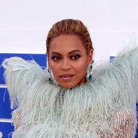 Beyonce shares images from Coachella set