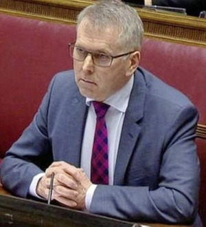 David Sterling assures Michelle O'Neill that no Stormont ministers vetoed note-taking by officials
