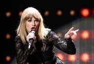 Man arrested at Taylor Swift house 'had knife and rope'