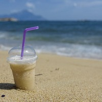 Plastic straws, drinks stirrers and cotton buds facing ban in effort to curb pollution