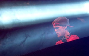 Music world remembers 'little bro' Avicii after DJ's death at 28